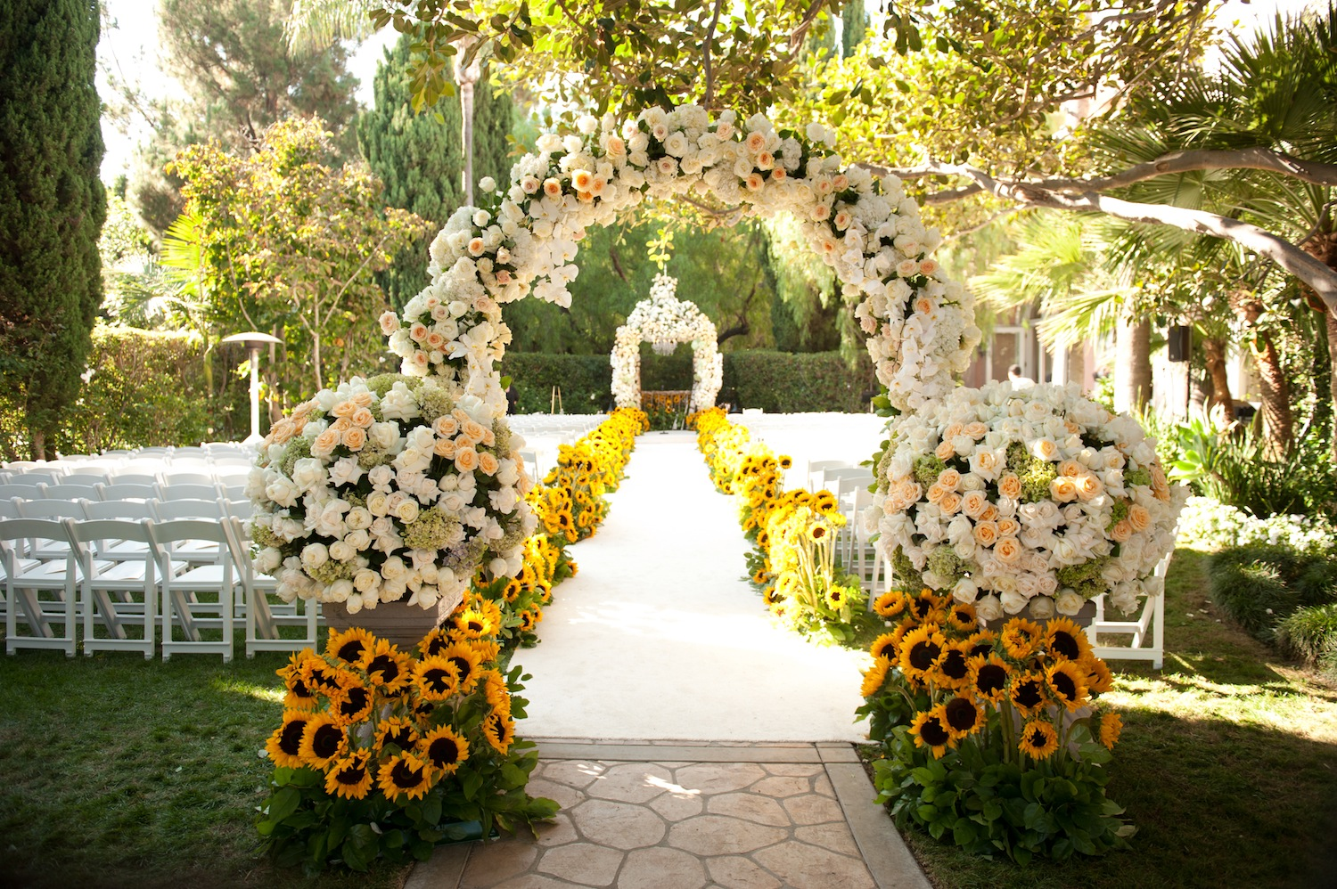 Featured on inside weddingsain revelry event designers tova and austins beverly hills hotel wedding junglespirit Images