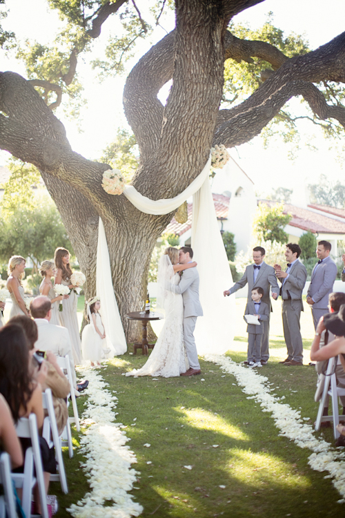 modern-barn-wedding-ojai-valley-inn-mi-belle-photography-15