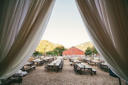modern-barn-wedding-ojai-valley-inn-mi-belle-photography-26
