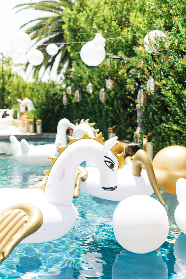 Revelry_Event_Designers_Sonia_Sharma_Events_Labor_Day_Pool_Party1