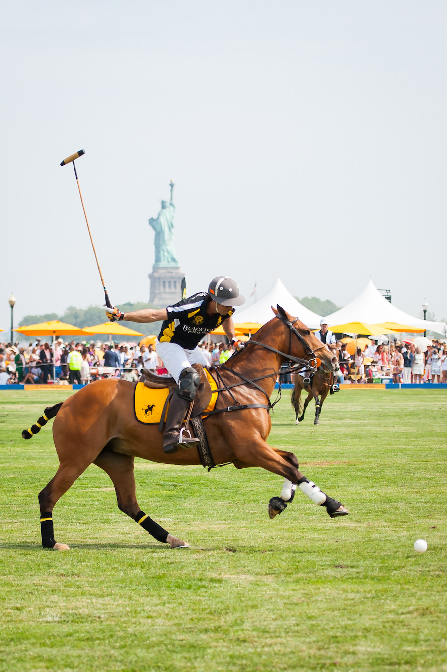 22 Veuve-Polo-Liberty-Island-Edgars-picks