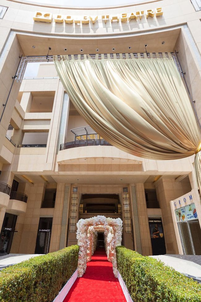 Wedding-Entrance-Dolby-Theatre-Revelry-Event-Designers5
